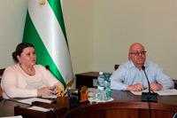 Влада, роботодавці та профспілки напрацюють нову тристоронню угоду